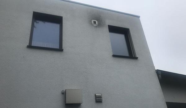 Fassilo Fassadenreinigung Edelkratzputz dreckig